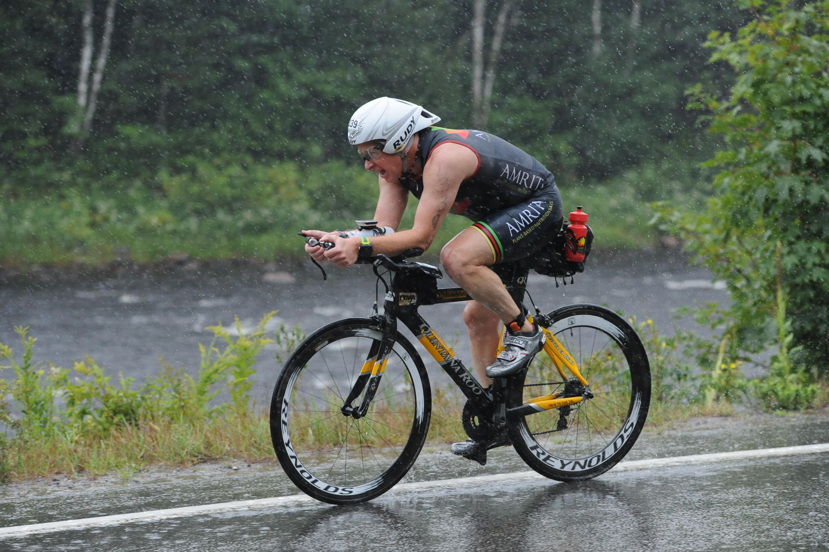 Ironman Mont-Tremblant 2016 - Bike - Weathering the storm!